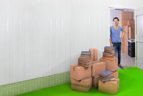 Bild persönliche Sammlung vor Lagerraum